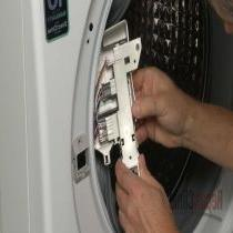Washing machine won't lock